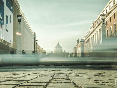 Roma: perse nel traffico 254 ore l'anno, pari a 2.200 euro. Seconda al mondo